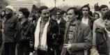 Yves Navarre et Jean Le Bitoux à la manifestation pour les droits gays et lesbiens, Paris 4 avril 1981. ( © Claude Truong-Ngoc / Wikimedia Commons)