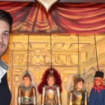 Anthony Ficarrotta, montreur au Théâtre de Marionnettes