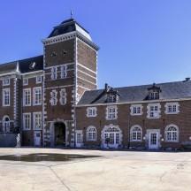 Cour du chateau 2