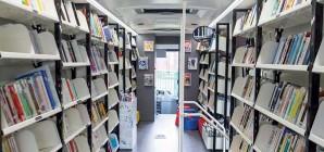 La passion de la lecture, près de chez vous, avec le Bibliobus de la Province de Liège