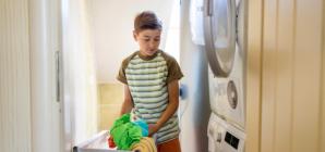 Les tâches ménagères: l'affaire de toute la famille.