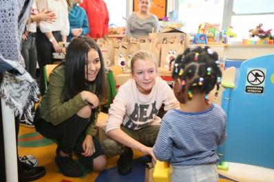 Des jouets distribués aux enfants hospitalisés
