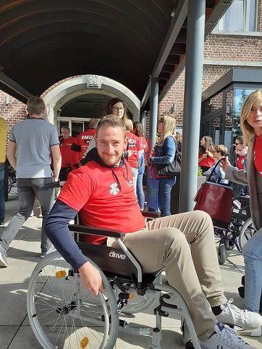 Des chaises pour mieux appréhender l'accessibilité