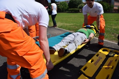 Dès septembre, l'IPEPS Huy-Waremme organisera une formation dédiée au métier de brancardier, méconnu mais recherché!