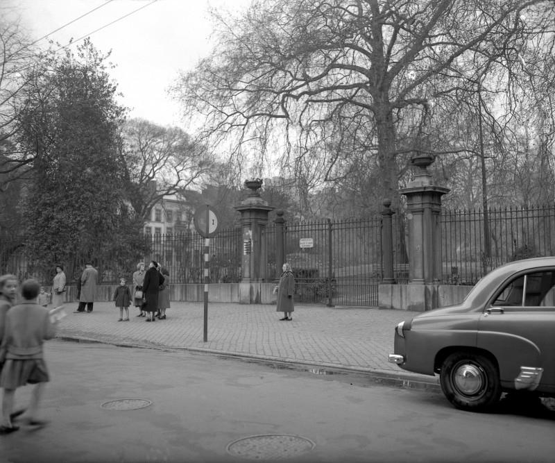 Fond Dessarcy-Robyns, Botanique, entrée du jardin, 1957.