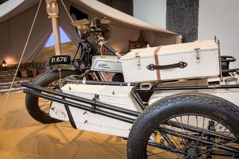 Gillet Sport avec side-car du lieutenant Robert Fabry, monocylindre 350cc, 1926, coll. Musée de la Vie wallonne