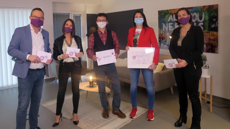 Remise du prix Etudiant de l'UPMC (de gauche à droite): Olivier Colle, Mélanie Paparelli, Pauline Eymael, Frédéric Lefort et Hélène Thiébaut (© UPMC)
