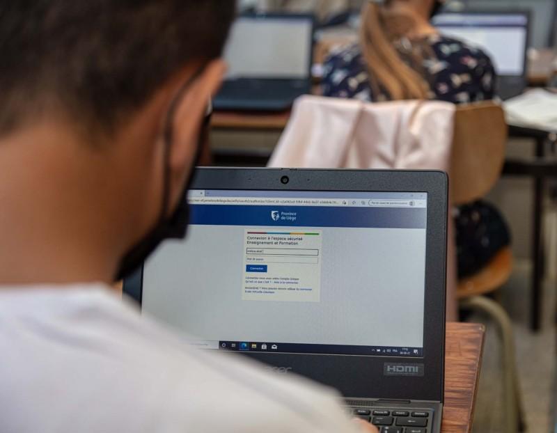 Un ordinateur par élève!