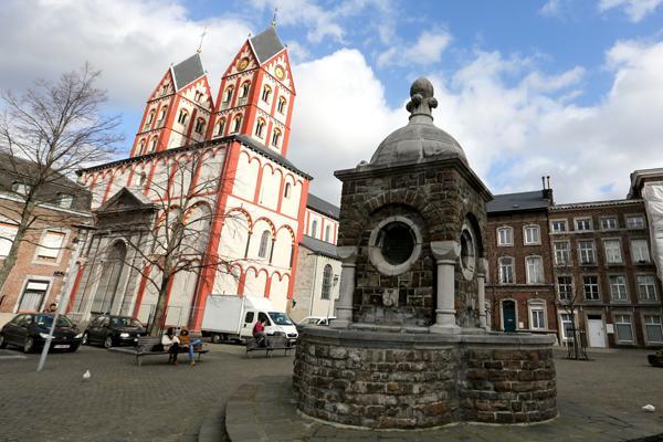 Dieudonné Lambrecht - Monument Place St Bathélemy (Liège)
