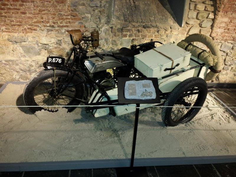 Moto Gillet 350cc avec sidecar