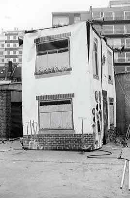 Foncièrement la Petite Maison, bâches peintes, 1977.