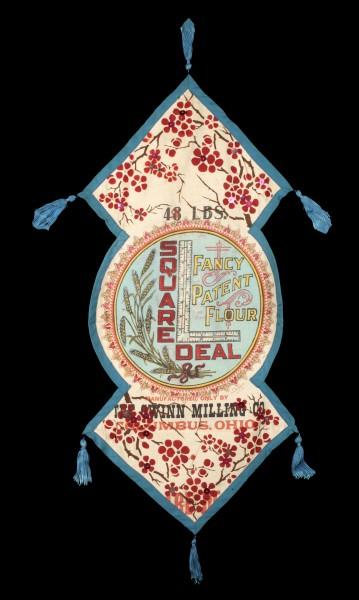 Milieu de table réalisé à partir d'un sac à farine brodé et peint, 1914-1918.