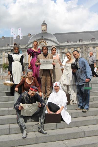 Théâtre urbain par la compagnie Sandra Proes